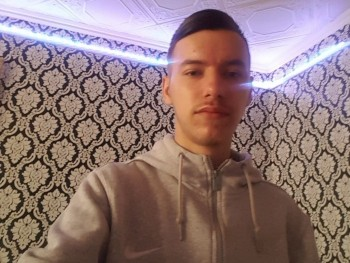 Davidh272 18 éves társkereső profilképe