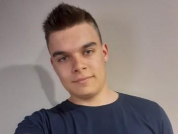 balazs46 19 éves társkereső profilképe