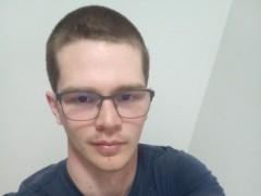Robi21 - 20 éves társkereső fotója