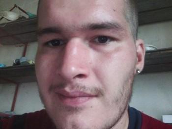Zsombi 95 26 éves társkereső profilképe