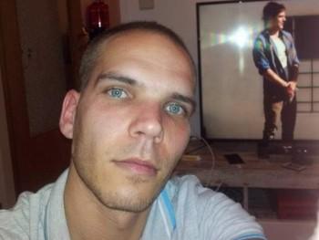 zotyo0204 34 éves társkereső profilképe