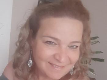 Szabó Kriszta 45 éves társkereső profilképe