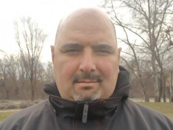 Csaba7 46 éves társkereső profilképe