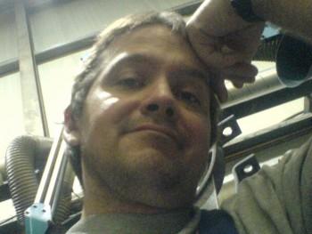 karesz71 49 éves társkereső profilképe
