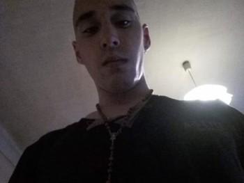 dave98 22 éves társkereső profilképe