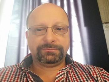 Possessed 48 éves társkereső profilképe