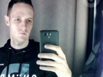 viktor267 27 éves társkereső profilképe
