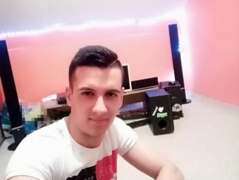 Zoli2105 27 éves társkereső profilképe