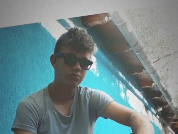 Dominik17 17 éves társkereső profilképe