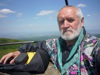 aranygombos 74 éves társkereső profilképe