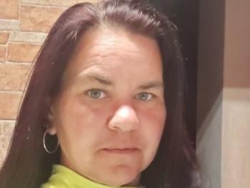 Csilla8021 40 éves társkereső profilképe