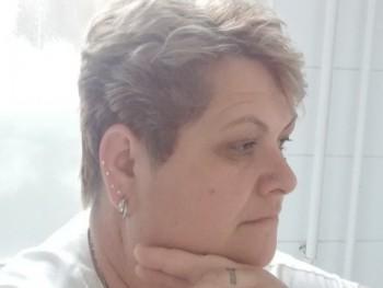 Delice 49 éves társkereső profilképe