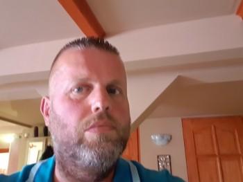 Karcsi76 45 éves társkereső profilképe