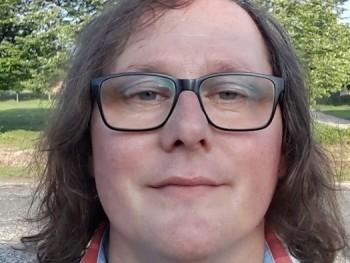 Tibi2014 42 éves társkereső profilképe