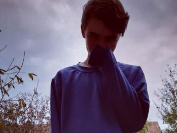 szundi 19 éves társkereső profilképe