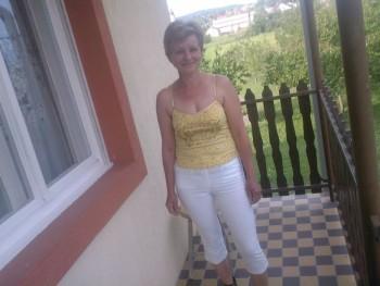 Virág57 58 éves társkereső profilképe