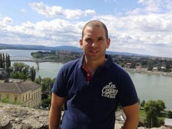 nerrs 38 éves társkereső profilképe