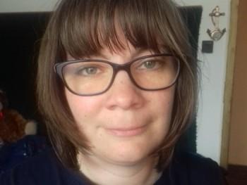 arabella 38 éves társkereső profilképe