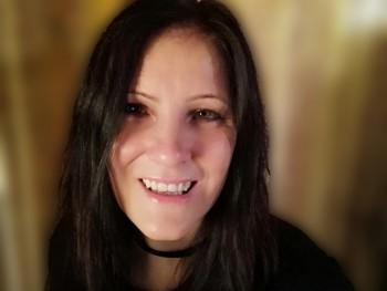 Mimike93 27 éves társkereső profilképe