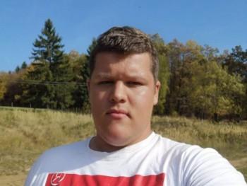 Victoryo 21 éves társkereső profilképe