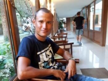 Trámbo 28 éves társkereső profilképe