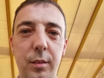 hebike 35 éves társkereső profilképe