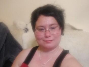 Ilona32 33 éves társkereső profilképe