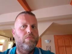 Karcsi76 - 44 éves társkereső fotója