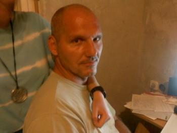 nyulimester 51 éves társkereső profilképe
