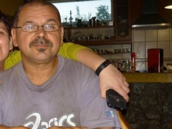 orszlán 54 éves társkereső profilképe