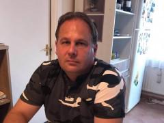 lászló28 - 46 éves társkereső fotója