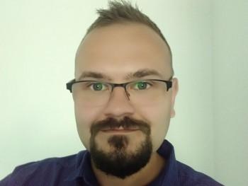 csipesz10 33 éves társkereső profilképe