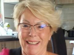Mamka - 66 éves társkereső fotója