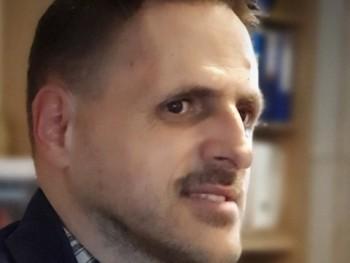 Mickee 45 éves társkereső profilképe