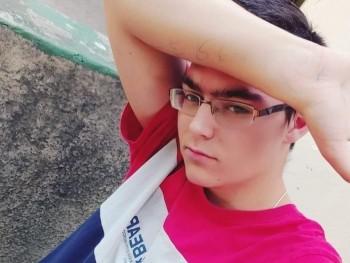 csaba1506 17 éves társkereső profilképe