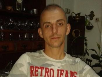 ikarus 41 éves társkereső profilképe
