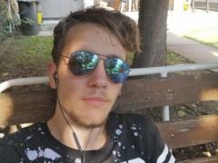Makádi Miklós - 19 éves társkereső fotója