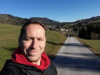 Andris1987 33 éves társkereső profilképe