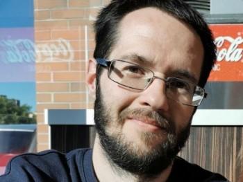 A mester 33 éves társkereső profilképe