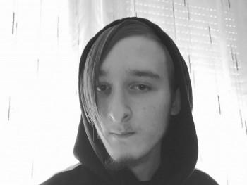 Levente741 20 éves társkereső profilképe