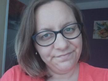 Ilona00_27 28 éves társkereső profilképe