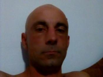 tayfun 40 éves társkereső profilképe