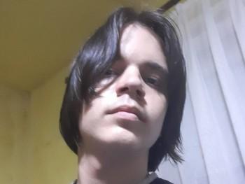 Dani Balázs 16 éves társkereső profilképe