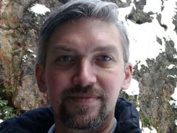 Fools 45 éves társkereső profilképe