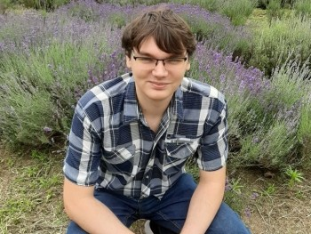 PTibi 24 éves társkereső profilképe