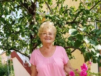 Őszirózsas 75 éves társkereső profilképe