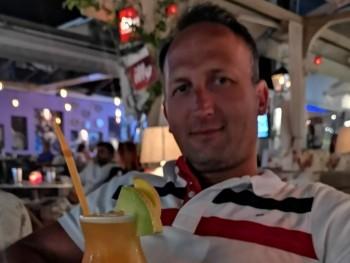sivang 40 éves társkereső profilképe