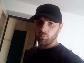 József1993 27 éves társkereső profilképe