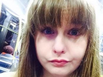fekavivka 16 éves társkereső profilképe