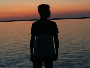 Tomi888 16 éves társkereső profilképe